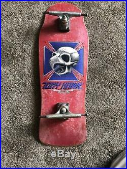 TONY HAWK POWELL PERALTA Red Original 1983 Chicken Skull Skateboard 29